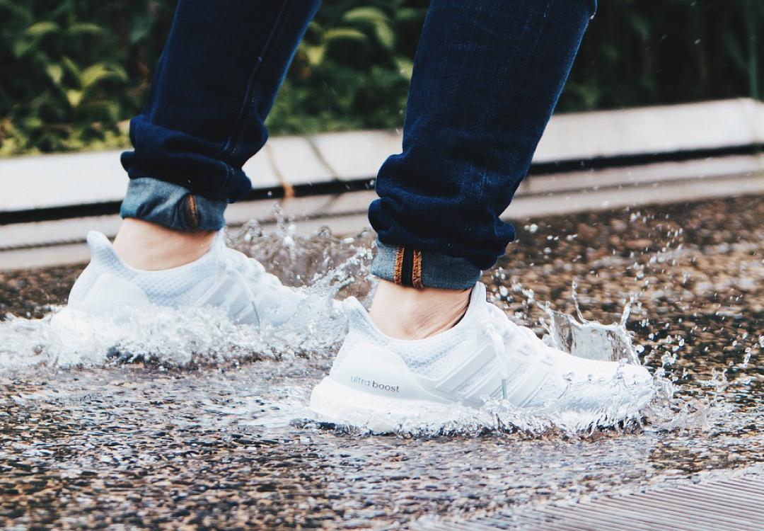 下雨天穿鞋